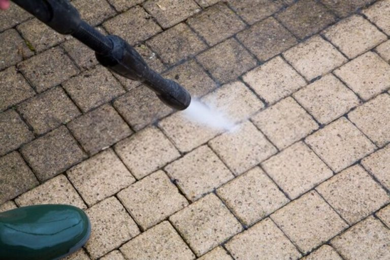 Jet wash patio cleaners are the most efficient equipment for cleaning patios